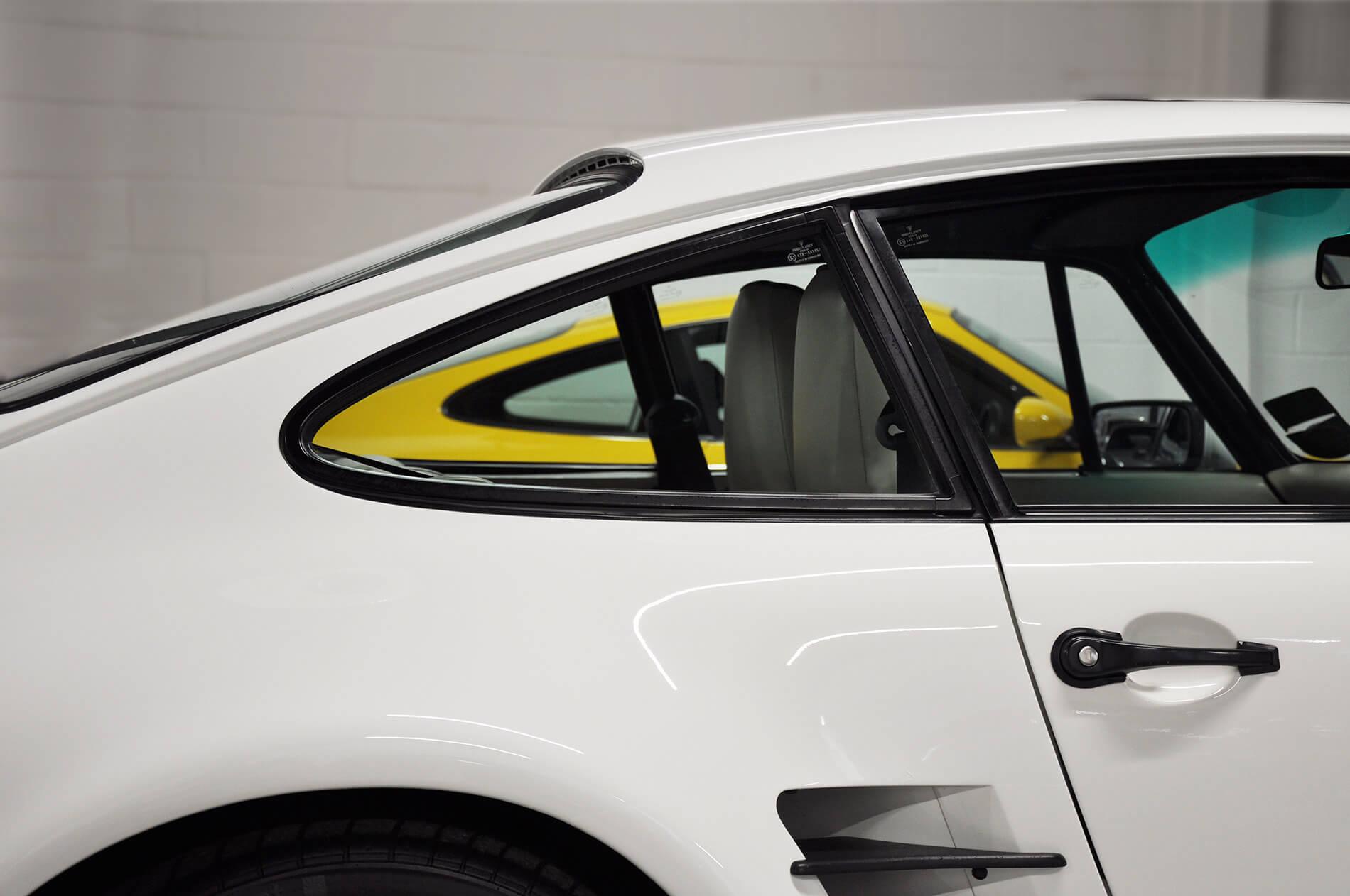 Porsche C pillar